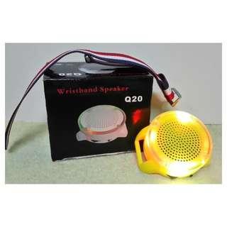 Q20七彩戶外運動無線藍牙迷你可掛式藍牙喇叭音響 MP3便攜迷你插卡單車騎行音響