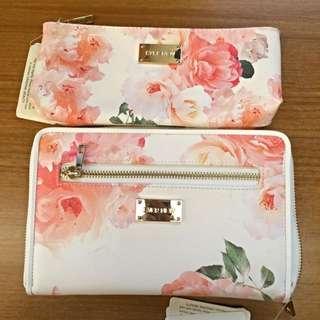 粉色花朵圖騰護照夾+小皮夾,NT$600不含運