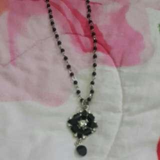 Black Neck Chain 1