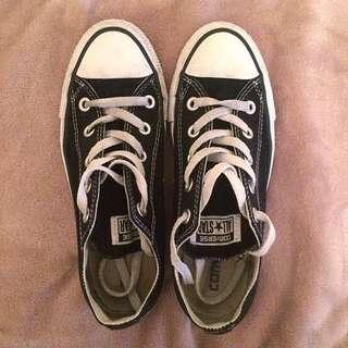 Black Converse Chucks