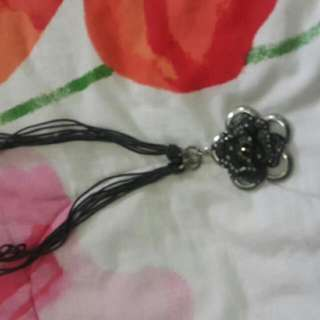 Preloved Neck Chain 4 (KOREAN STYLE BOUTIQUE BACK IN UNI TIME)