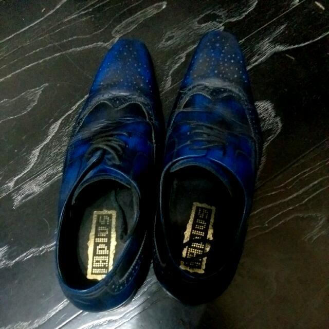18PIus藍色皮鞋