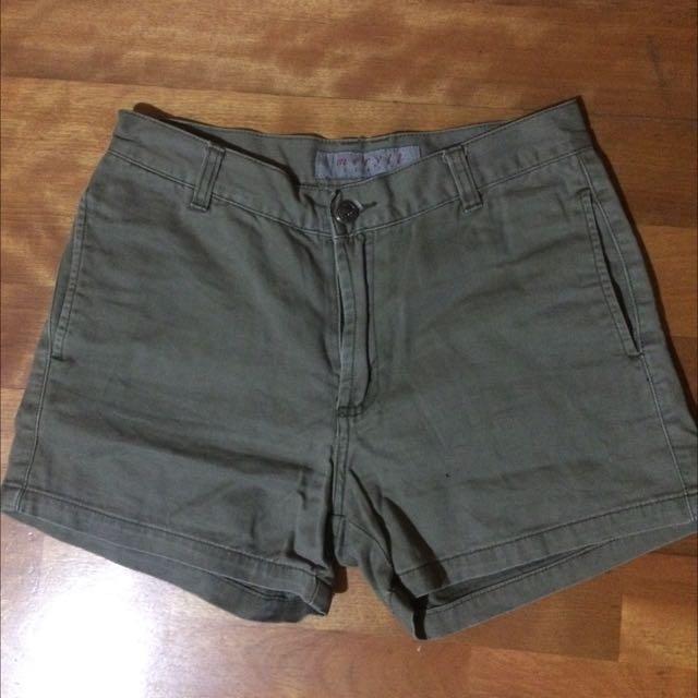 韓製復古高腰軍綠短褲