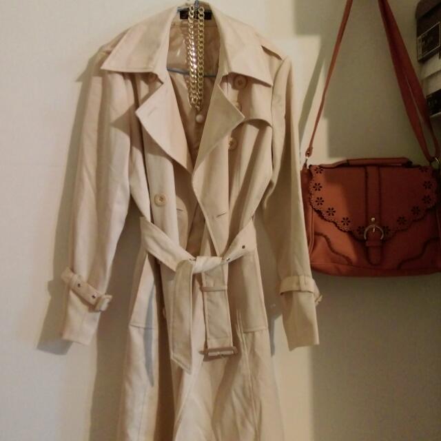 米色 長版風衣外套