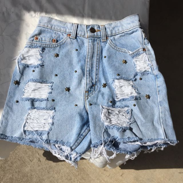 High Waisted Distressed Denim Shorts!