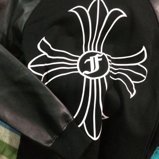 黑色厚磅刷毛拼接皮革帽T