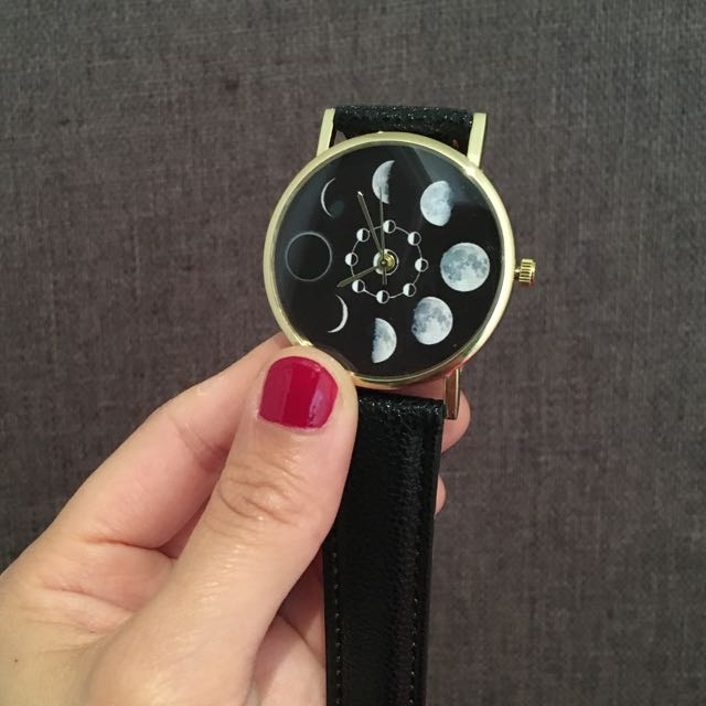 Unique Eclipse Design  Quartz Wrist Watches