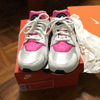 Nike Air Huarache 女鞋