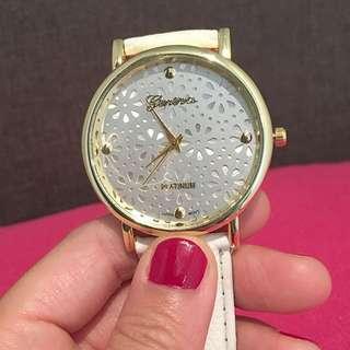 Valentine's Day Special! Metallica Floral Design Quartz Wrist Watches