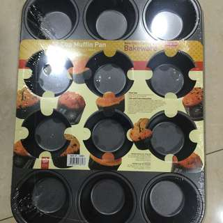 12 Cup Muffin Pan (brand New)