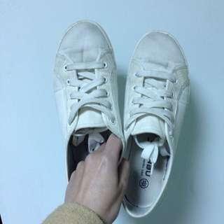 二手小白鞋