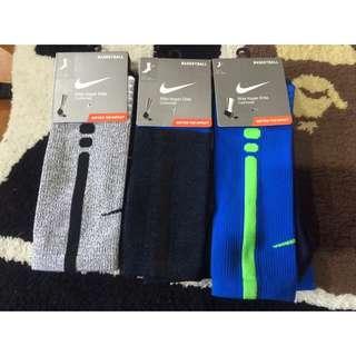 含運 _ Nike 運動襪