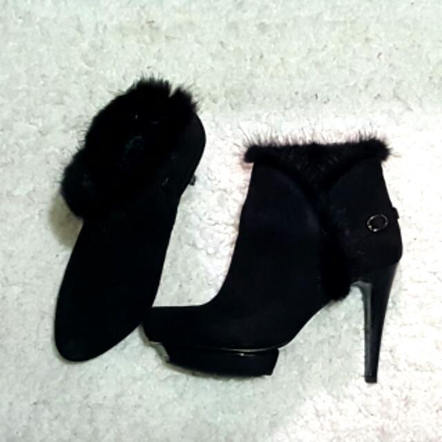 🌟🌟免運費  TAS 黑色質感柔軟兔毛短靴踝靴
