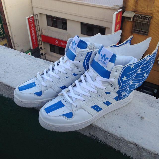 Adidas 翅膀鞋