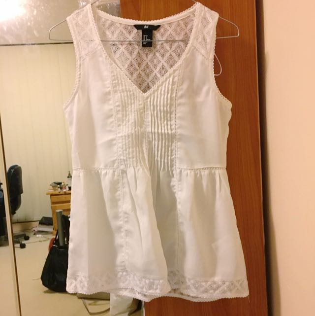 H&M White Lace Top Small