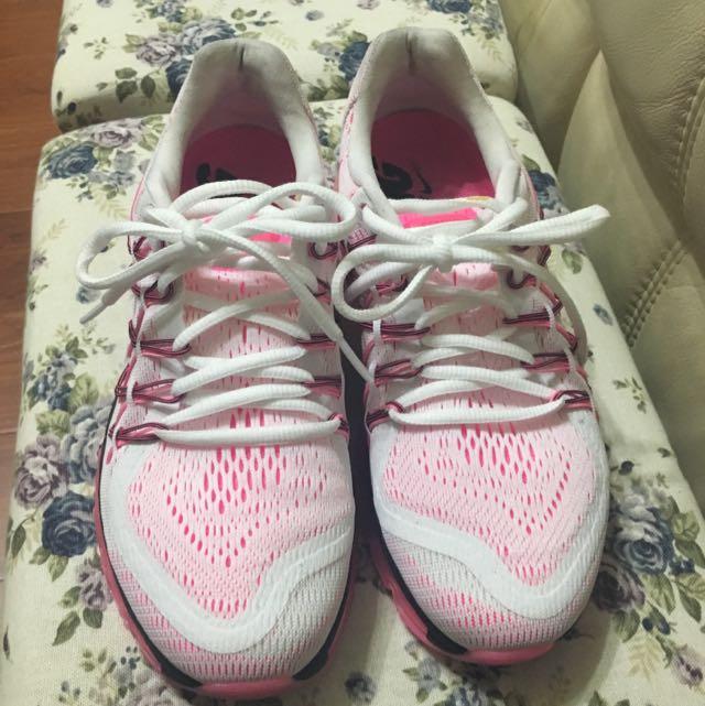 Nike 女款慢跑鞋 39號 誠可議