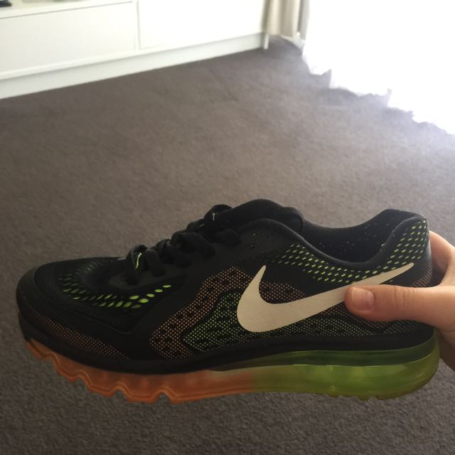Size 7 Nikes $50 Or Nearest Offer