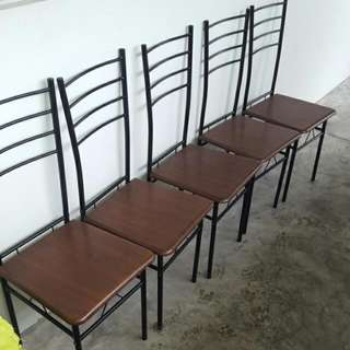 6pcs Of Chairs.
