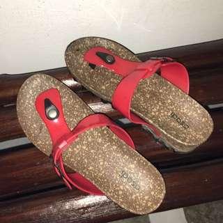 Ladies Sandal Size 37 Or 6