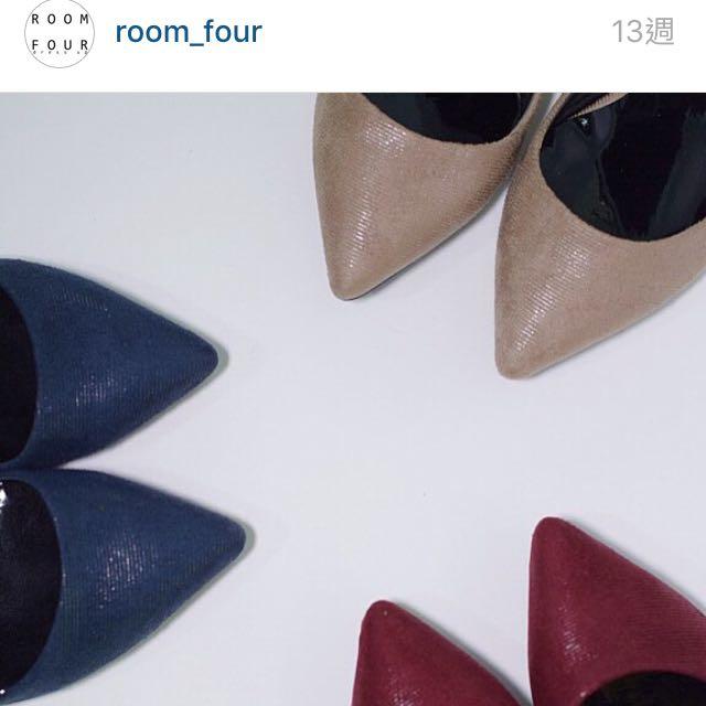 💦💦急售/含運/ Room4 麂皮尖頭跟鞋(藍)