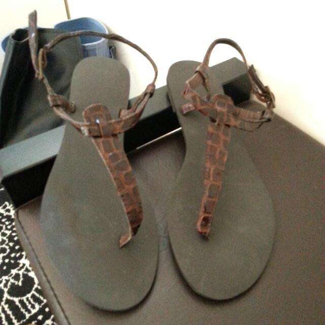 全新 H&M 鱷魚壓紋 夾腳 涼鞋