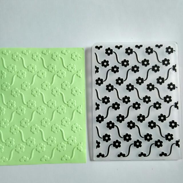 Small Embossing Folder: Floral
