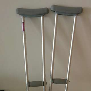 Crutches (adjustable)