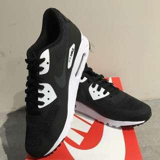 Nike Air Max 90 Ultra Essential (男)