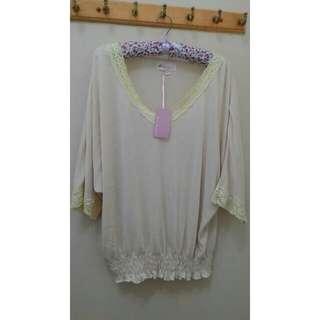白色 簡約上衣 #lady 吊牌未拆