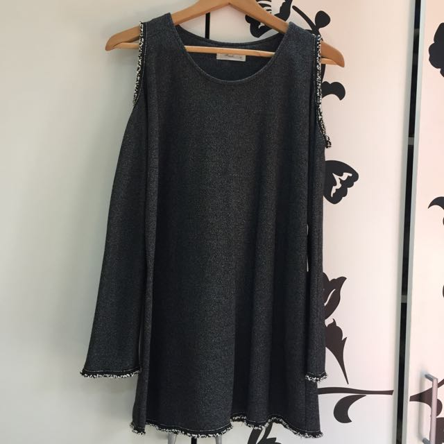 露肩 長䄂衣 約9成新