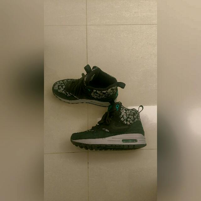NIKE 中桶花紋點點麂皮 修身鞋型女23號
