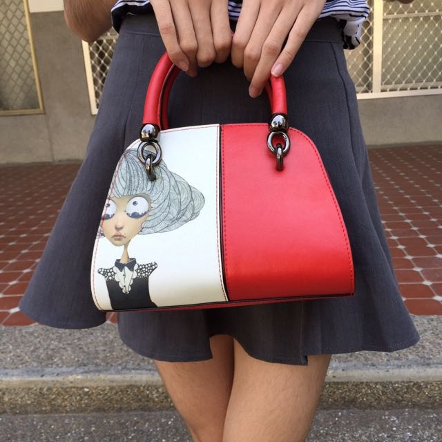 《SONA》大眼娃娃牛皮手提彩繪包-小款(紅、藍、黑 共三色)