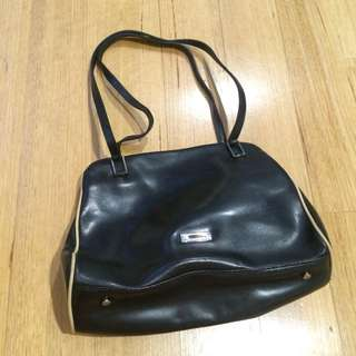 PL- Guess Leather Bag