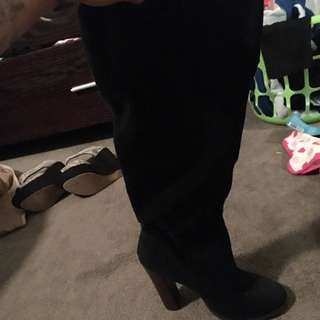 Size 6.5 Heal Boots