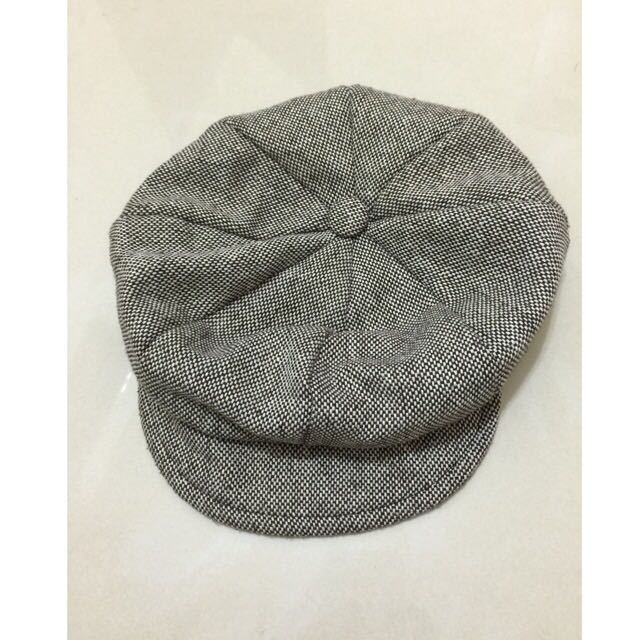 咖啡色帽子