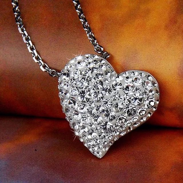 奧地利施華水晶白色鑲鑽透明璀璨愛心項鍊墜Alana水晶項鍊