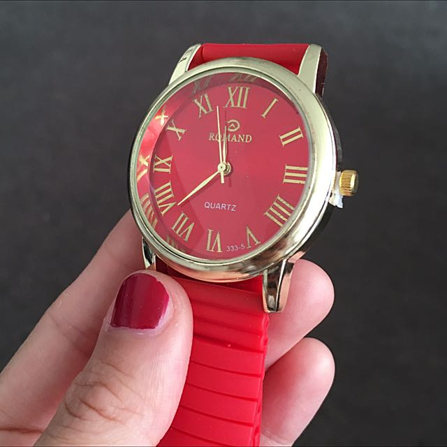 Brand New Silicon Band Quartz Watch Available In Multiple Colors