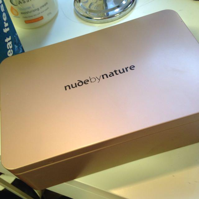 Nude makeup box