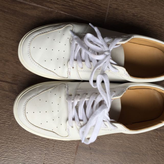 637ae961083 Old Navy Casual White Sneakers