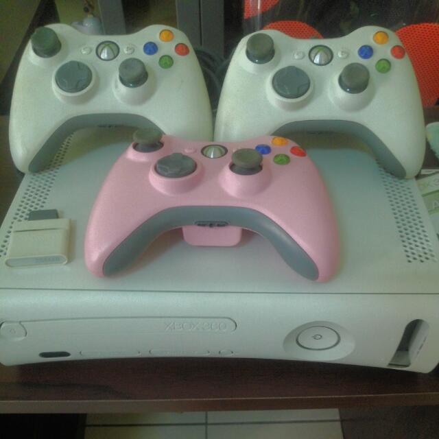 """(保留中)二手""""Xbox 360 送無線手把及遊戲一片"""