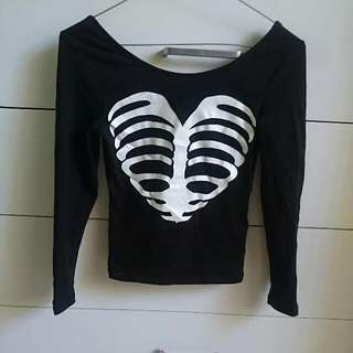 H&M Black Cropped Skeleton Top