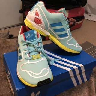 Addidas ZX FLUX Size UK6 (NEW)