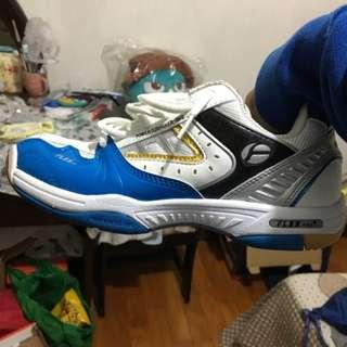 🚚 Flex羽球鞋 24cm