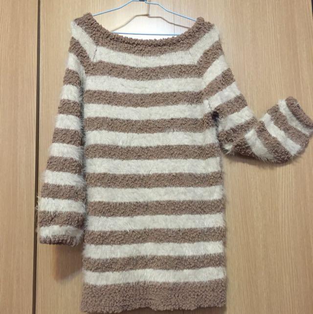 溫暖百搭條紋長版毛衣😍