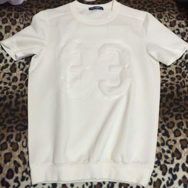 韓貨)白色太空棉衣服 字體浮凸