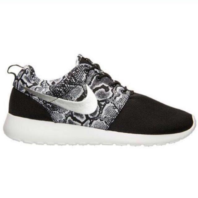 Nike Roshe Run 黑銀蛇紋 慢跑鞋 25cm 39