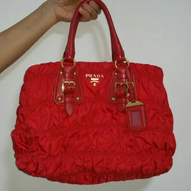 fef851c26eec Original PRADA RED BAG MILANO