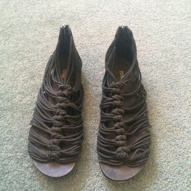 RMK Knot Sandals