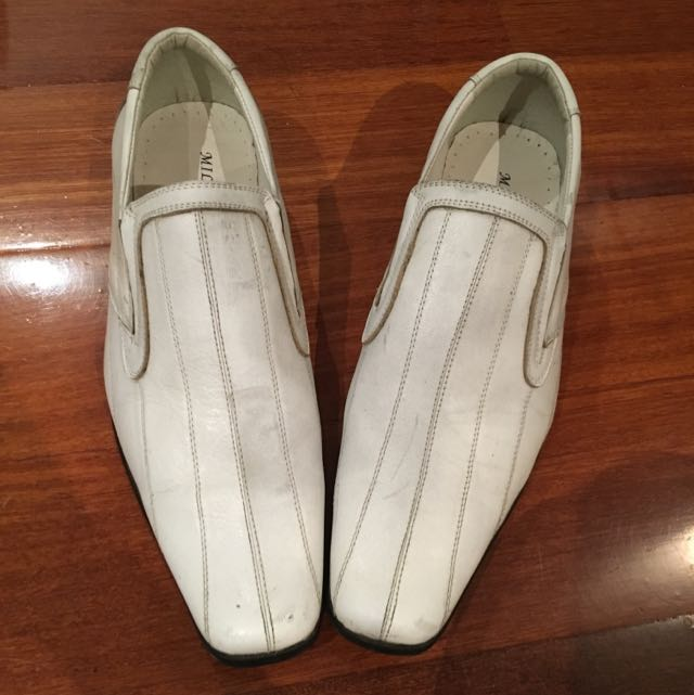 White Shoes Size 9.5/43