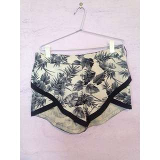 West End Doll Shorts
